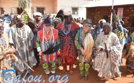 Funérailles de Mo'o Teifouenkeu DJONGO Sylvère, de son épse Maman FEUDJIO Berthe et autres : un événement grandiose