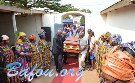Fo'o DJOTSA Joseph accompagné à sa dernière demeure par la communauté Bafou de Yaoundé avec tous les honneurs