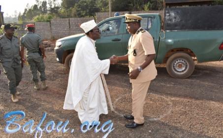 Accueil du nouveau Sous-préfet de l'arrondissement de Nkong-Ni à la chefferie La'a-Chui à l'occasion de sa tournée de prise de contact