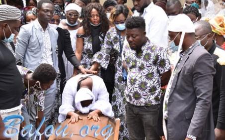 Soufo MBEKOU Eddy Pierre Constantin accompagné à sa dernière demeure dans une tristesse indescriptible